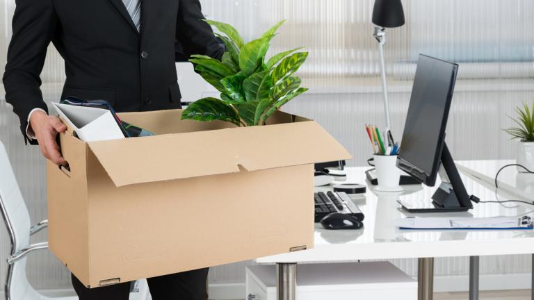 Освобождаване на работник преди изтичане на предизвестието
