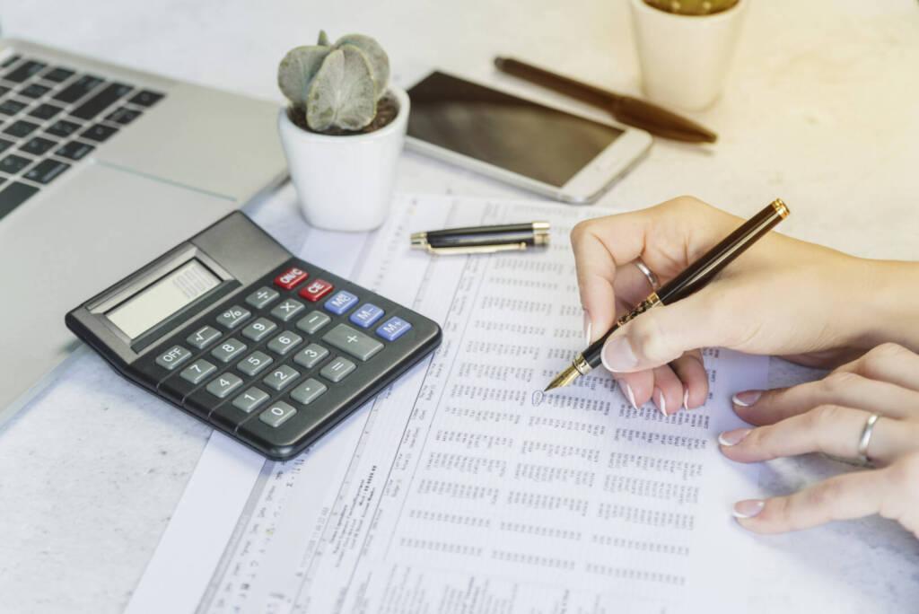 Осигурителен доход на служител в карантина заради COVID-19