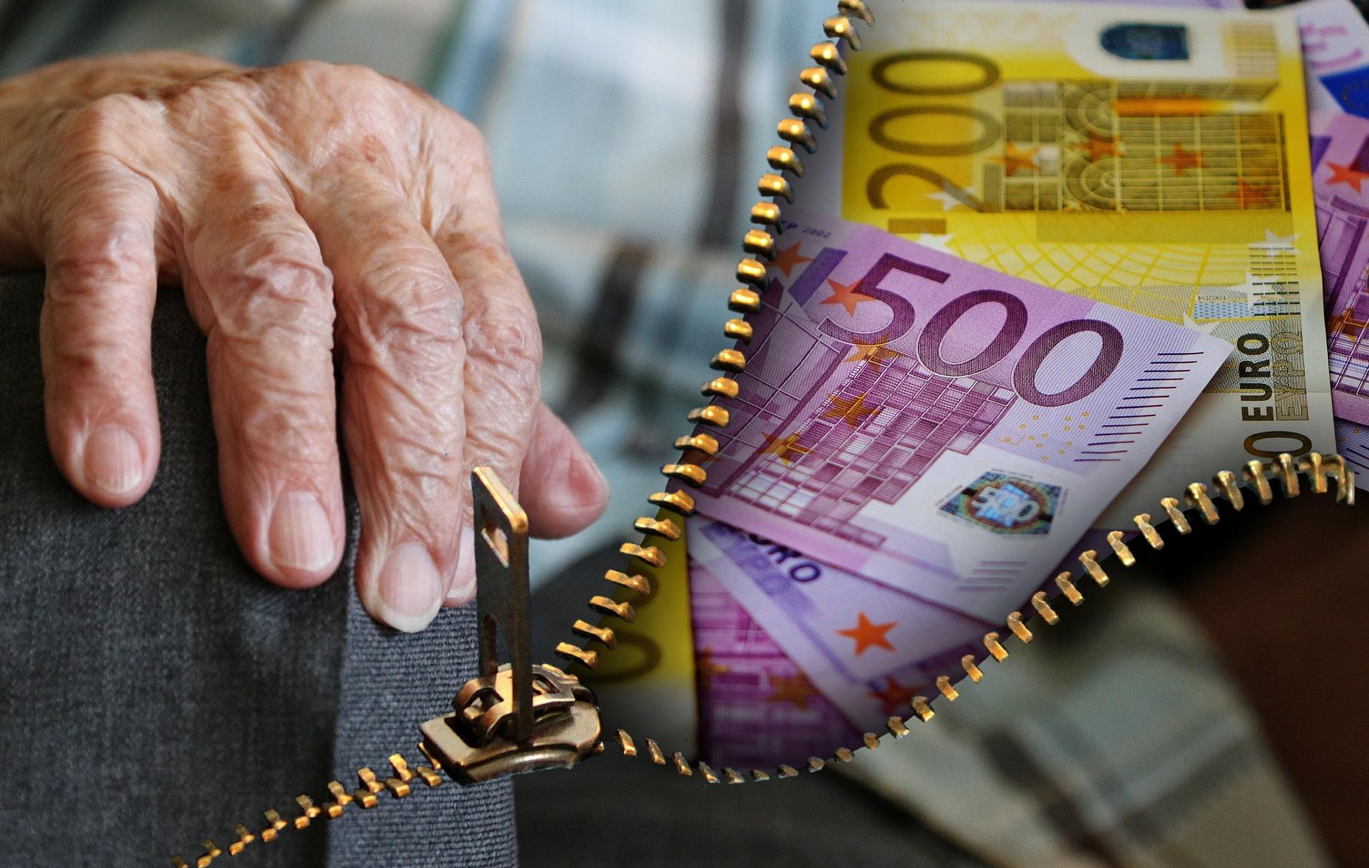 Над 50 000 българи получават пенсия за работа в чужбина