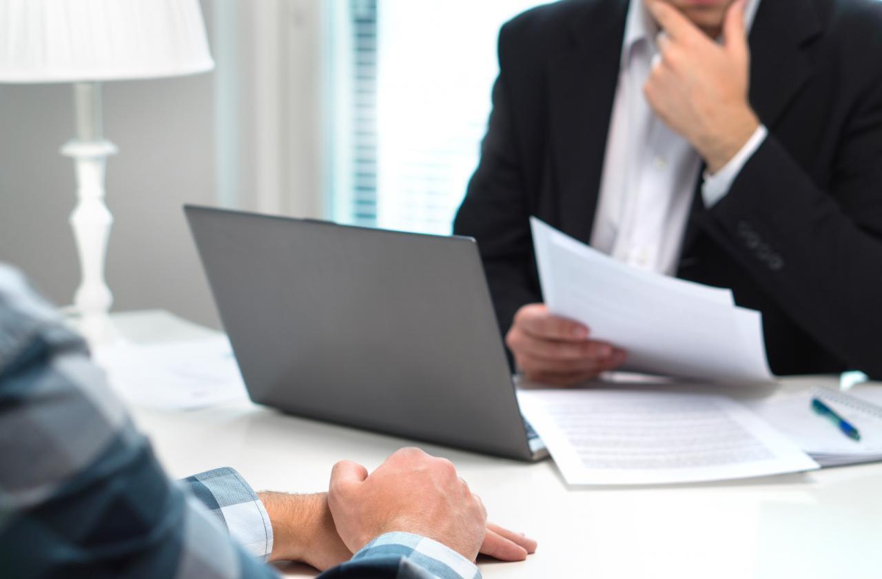 Последици от уволнението поради придобиване на право на пенсия за осигурителен стаж и възраст