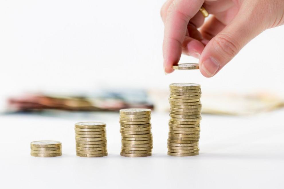 Ръст на средните заплати в частния сектор с между 5 и 7 на 100