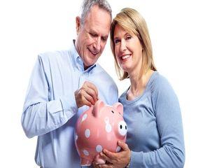 За момента вноските за пенсия няма да се вдигат, посочи социалният министър