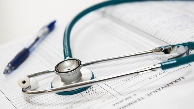 Освобождаване по време на болничен за лице със срочен ТД